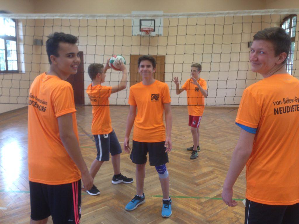 Neue Sport – Shirts für Schüler